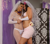 Sinn Sage and Tanya Tate Get Wedding Photos 11