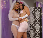 Sinn Sage and Tanya Tate Get Wedding Photos 13