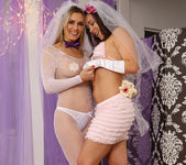 Sinn Sage and Tanya Tate Get Wedding Photos 15