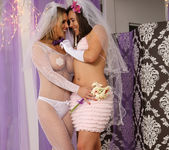 Sinn Sage and Tanya Tate Get Wedding Photos 30