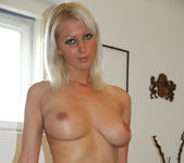 Pamela Proves She Wants It in POV 22