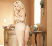 Sarah Vandella Gets the Special Treatment 23