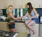 Shae Snow and Shakira Act On The Tingles 4