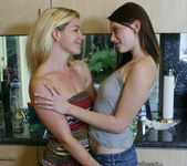 Shae Snow and Shakira Act On The Tingles 10