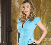 Tanya Tate Shows the Brats How It's Done 2