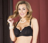 Tanya Tate Wants to Rosy all their Bottoms 2