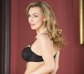 Tanya Tate Wants to Rosy all their Bottoms 4