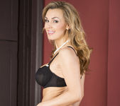 Tanya Tate Wants to Rosy all their Bottoms 8