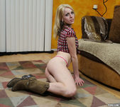 Daisy Destin Makes Me Want to Load Her Pussy 6