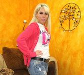Lauryn Star Gets Anal in POV 2
