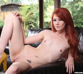 Elle Alexandra and Sovereign Syre Get Close 28