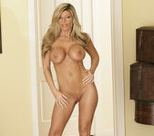 Kristal Summers Makes His Life Perfect 12