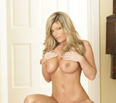 Kristal Summers Makes His Life Perfect 16