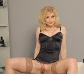 Nina Hartley Came to Fuck 3