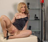 Nina Hartley Came to Fuck 6