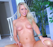 Brynn Tyler Just Lets It Happen 9