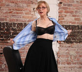 Nina Hartley - Boss Lady's Secret 8