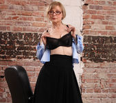 Nina Hartley - Boss Lady's Secret 9