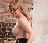 Nina Hartley - Boss Lady's Secret 21
