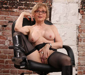 Nina Hartley - Boss Lady's Secret 27