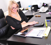 Sarah Vandella Takes an Office Fuck Break 3