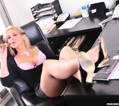 Sarah Vandella Takes an Office Fuck Break 4