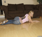 Lexi Belle Goes for a Bouncy Boner Ride 5
