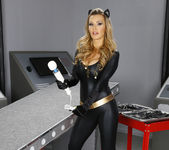 Tanya Tate Knows Amanda Tate's Weakness 3