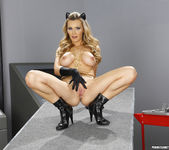 Tanya Tate Knows Amanda Tate's Weakness 25
