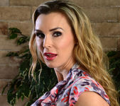 Tanya Tate Shows the Student Body Correct Form 10