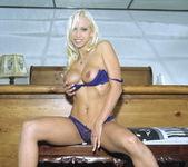 Nicki Hunter - Put It In My Good Time 6
