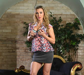 Tanya Tate Gets Hold of Lucia Love 2