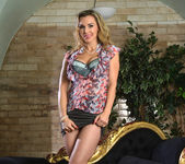 Tanya Tate Gets Hold of Lucia Love 3