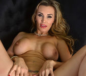 Tanya Tate Gets Hold of Lucia Love 19
