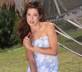 Gwen Summers Flashing Alana Evans 2