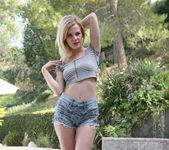 Catie Parker, Emma Stone, and Tara Morgan - Best Friends 16