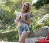 Catie Parker, Emma Stone, and Tara Morgan - Best Friends 21