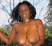 Ebony Ladies Looking Lusty 24