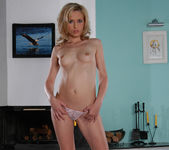Silvy Taylor - A Slice of Perfect Pie 4