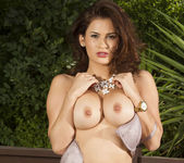 Vanessa Veracruz Loves Nature 27