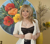 Nina Hartley - Mind on Someone's Behind 6