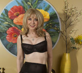 Nina Hartley - Mind on Someone's Behind 9