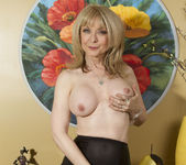 Nina Hartley - Mind on Someone's Behind 30