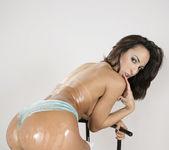 Belinha Baracho's Ass Keeps Him Cumming Back 23