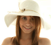 Hailey Leigh - Sunhat Beauty 14