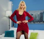 Sarah Vandella Does Her Body Good 2