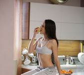 Carolina Abril - Morning Light - 21Naturals 2