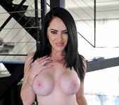 Bella Maree - Horny Australian MILF - Club Sandy 6