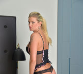Samantha Snow - Good Vibrations 5