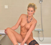 Samantha Snow - Time In The Tub 16
